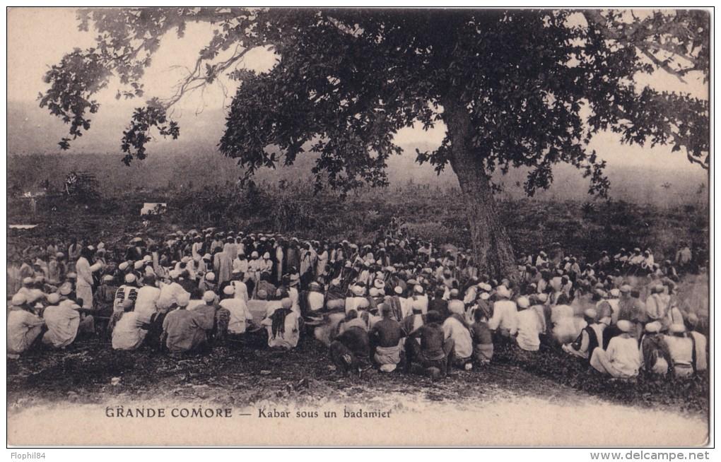 GRANDE COMORE - KABAR SOUS UN BADAMIER. - Comores