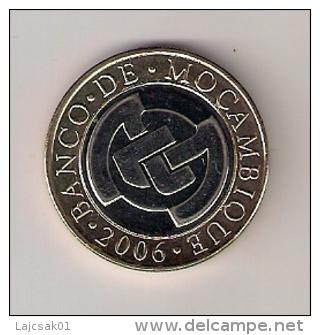 MOZAMBIQUE 10  METICAIS  2006. UNC Bimetallic Bimetal - Mozambique