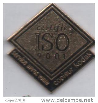 Beau Pin´s En EGF , Photo , Service Aprés Vente Copieur Kodak , ISO 9001 - Fotografie