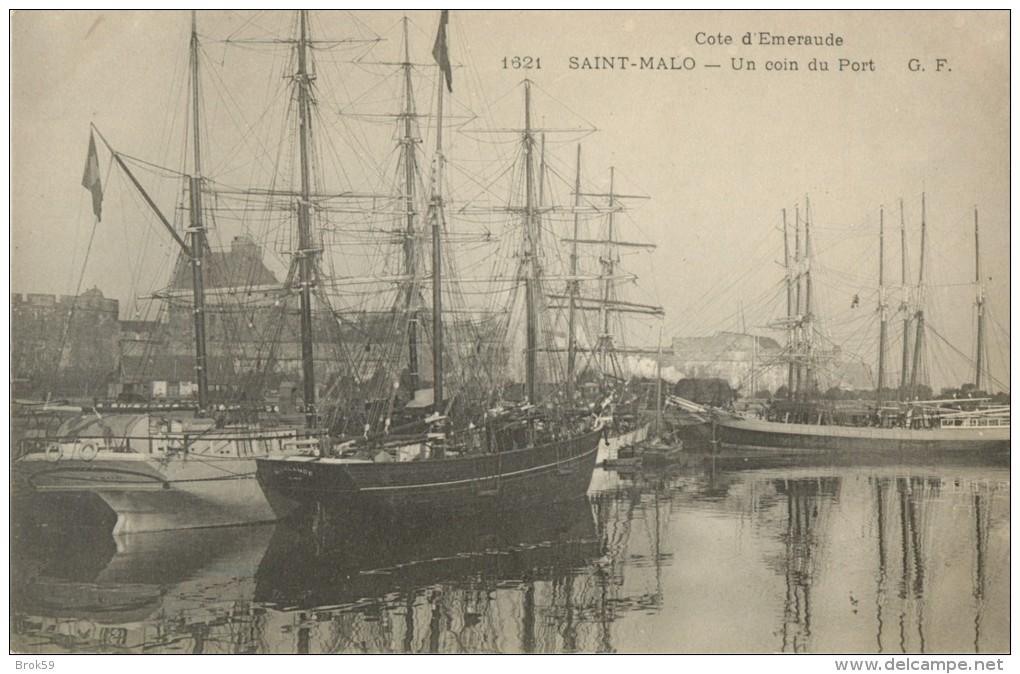 35 ST / SAINT MALO - UN COIN DU PORT - Saint Malo