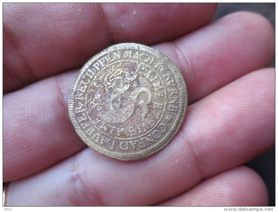 Louis Of France -JETON On Nuremberg VERS 1668 TTB   VOIR PHOTOS - Royaux/De Noblesse