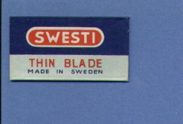 Une Lame De Rasoir  SWESTI  THIN BLADE Made In Sweden  (L31) - Lames De Rasoir