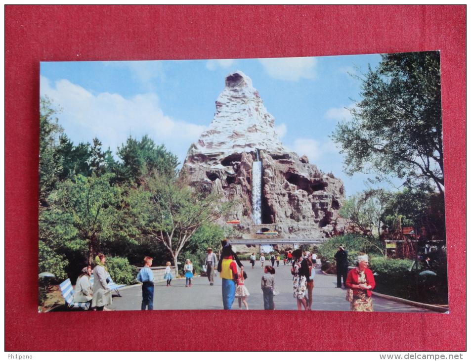 Disney > Disneyland  Matterhorn Mountain  Not Mailed     Ref 1061 - Disneyland