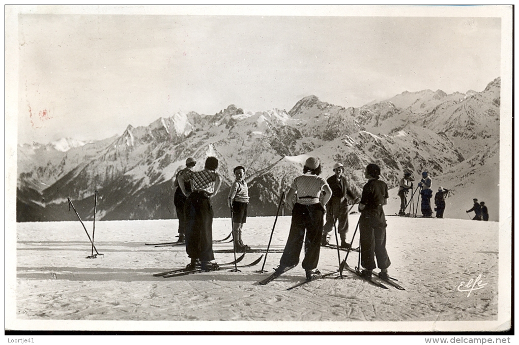 CP Les Sports D'hiver  à Luchon -  Ski - Groupes De Skieuses - Cartes Postales
