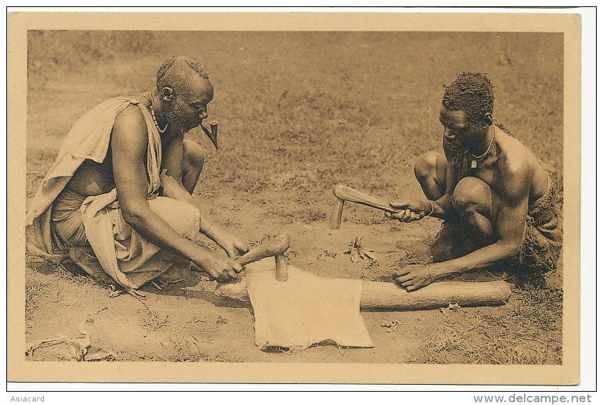 Ruanda No 4 Fabrication Etoffe De Ficus Impuzu Nels Edit Jos . Dardenne Serie No 1 Pipe - Ruanda-Urundi