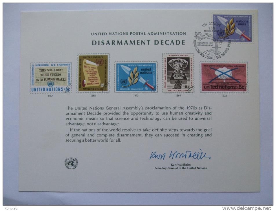 UNITED NATIONS FDC SOUVENIR CARD GENEVA POSTMARK DISARMAMENT DECADE 1973 - Ginebra - Oficina De Las Naciones Unidas
