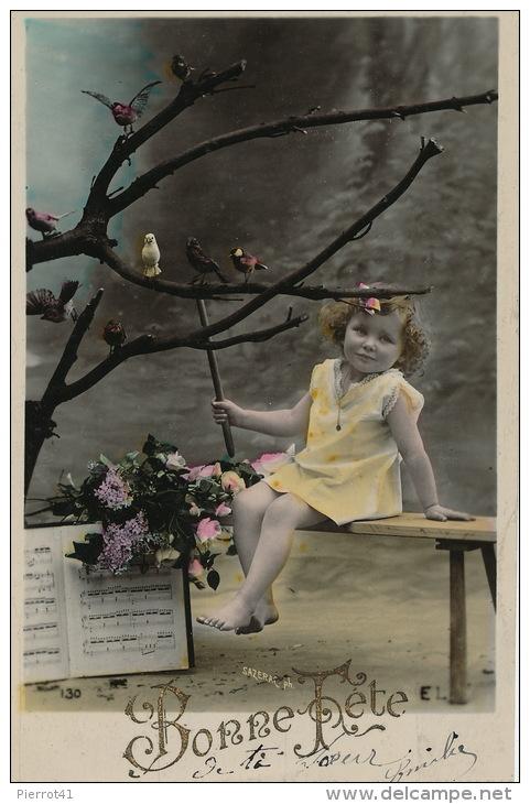 ENFANTS - LITTLE GIRL - MAEDCHEN -  Jolie Carte Fantaisie Portrait Fillette  Chef D´orchestre Avec Oiseaux - Portraits