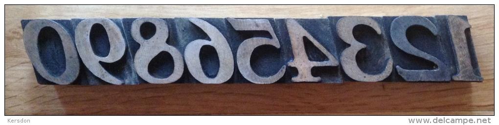 Chiffres Typographiques En Bois De 4 Cm De Haut De 1 à 0 - Complet - Rare - Autres
