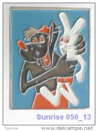 Cartoon Film Soviet: Wolf (Nu Pogodi) / Old Soviet Badge USSR _050_u3286 - Comics