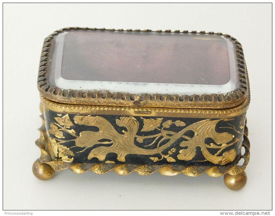 boite coffret bijoux en laiton niell couvercle verre biseaut. Black Bedroom Furniture Sets. Home Design Ideas