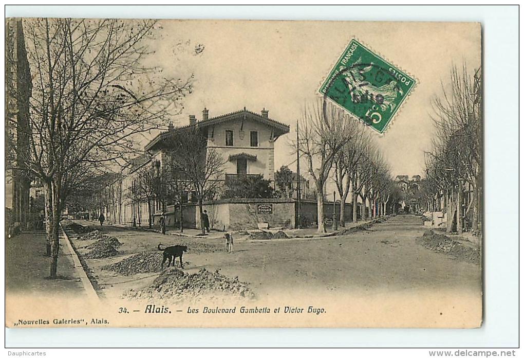 Alais : Les Boulevards Gambetta Et Victor Hugo. Alès. Edition Nouvelles Galeries - Alès