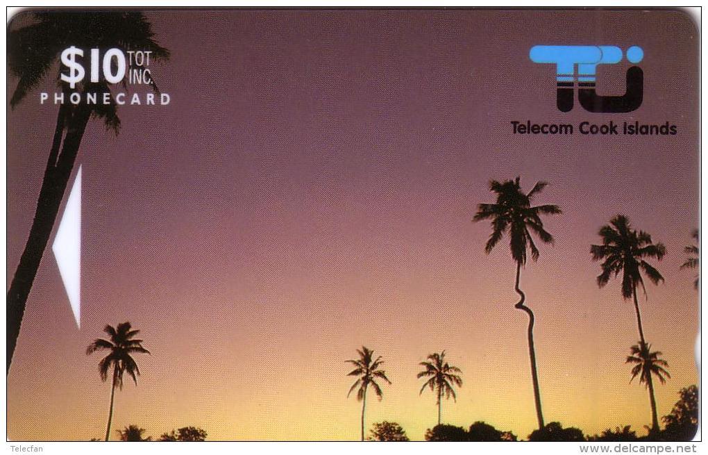 COOK ISLANDS 1ERE CARTE COCONUT PALM 10$ NEUVE MINT RARE N° 01CIC.... - Telefoonkaarten