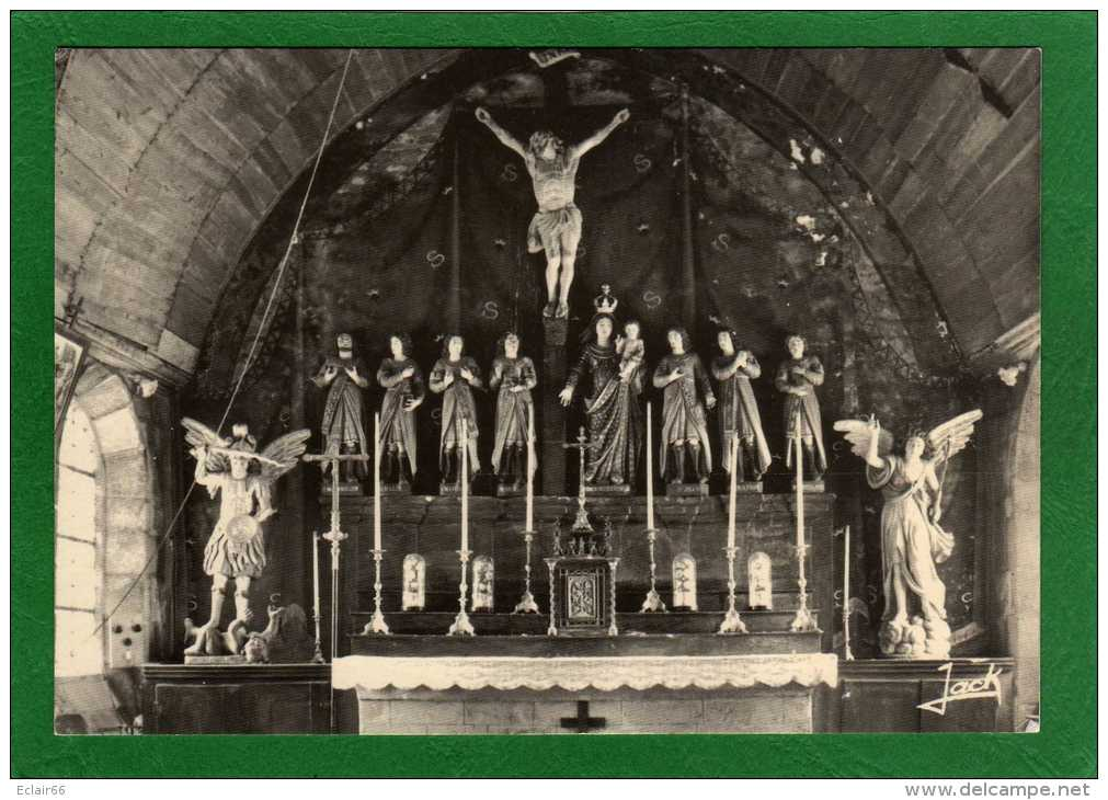 22 - VIEUX MARCHE - Intérieur De La  Chapelle Des Sept Saints Bâtie Sur Une Crypte Dolmen C      X - Other Municipalities