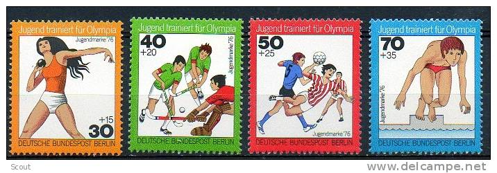 GERMANIA - GERMANY - ALLEMAGNE - BERLINO - 1976 - SPORT: LANCIO DEL PESO, PALLAMANO, NUOTO. HOCKEY - YT 481/484 ** - Hockey (su Erba)