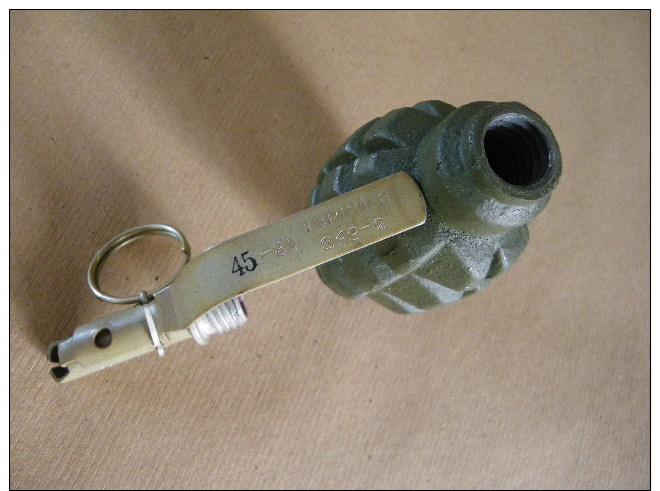 Grenade F1 Défensive Verte Soviétique (inerte) - Equipement