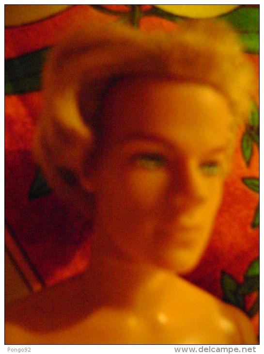 Poupée Style KEN, 1968 Made In Indonésia Blond Yeux Bleus - Barbie