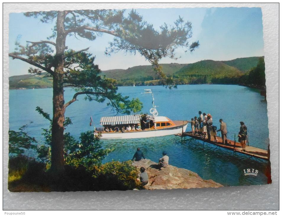 CP 31 SAINT FERREOL - Le Lac - Débarcadère Et Le Bateau Promenade Sur Le Bassin - Saint Ferreol