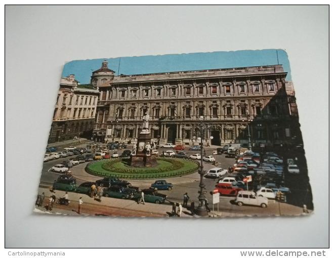 Taxi Piazza Della Scala  Milano Palazzo Marino - Taxi & Carrozzelle