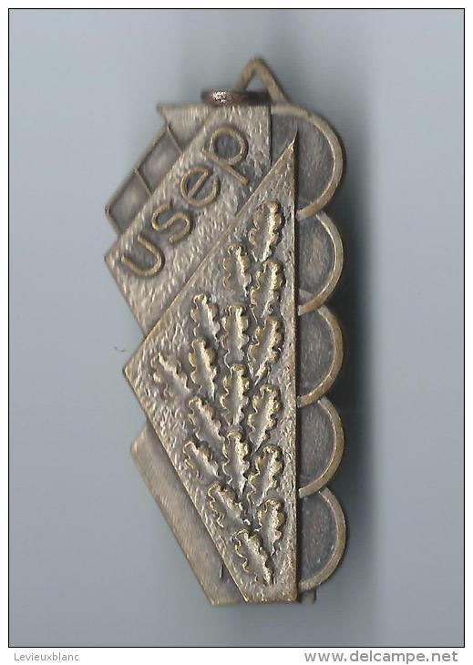 Médaille Sport/ USEP / Ligue Française De L'Enseignement/Bronze Estampé Et Nickelé /Vers 1935-40      SPO51 - Sports
