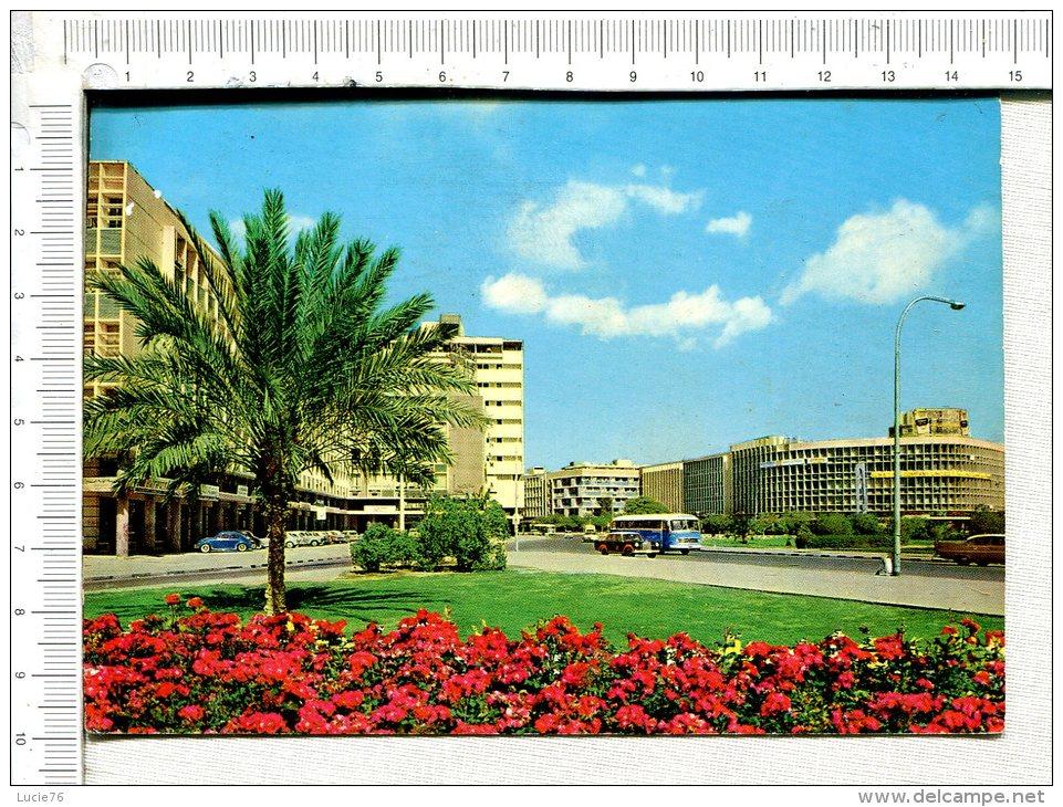 KUWEIT  -  Jahrah Gate  -  La Porte Jahrah - Véhicules  -  Autocar - Koweït