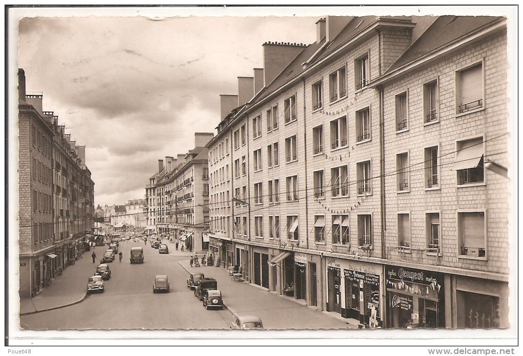 14 - CAEN - La Rue De Vaucelles - Caen
