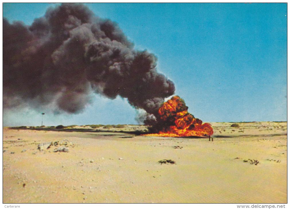 SAUDI ARABIA,ARABIE SAOUDITE,DHAHRAN OIL EXPLORATION,PUIT DE PETROLE  EN FEU Dans Le Désert - Arabie Saoudite