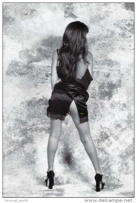 Sexy Long Legs Bare Back & Butt Woman Postcard Erotic Lingerie Long Hair Girl - 18149 - Pin-Ups