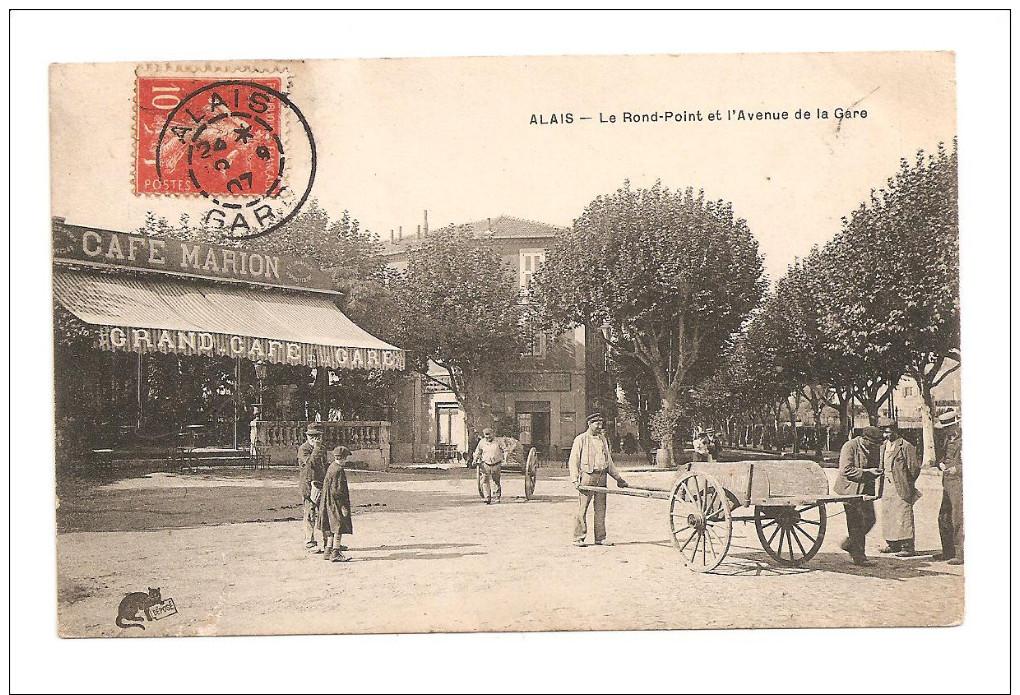 ALAIS  (Alès)- Le Rond-Point Et L´avenue De La Gare  (Café Marion) CPA - Alès