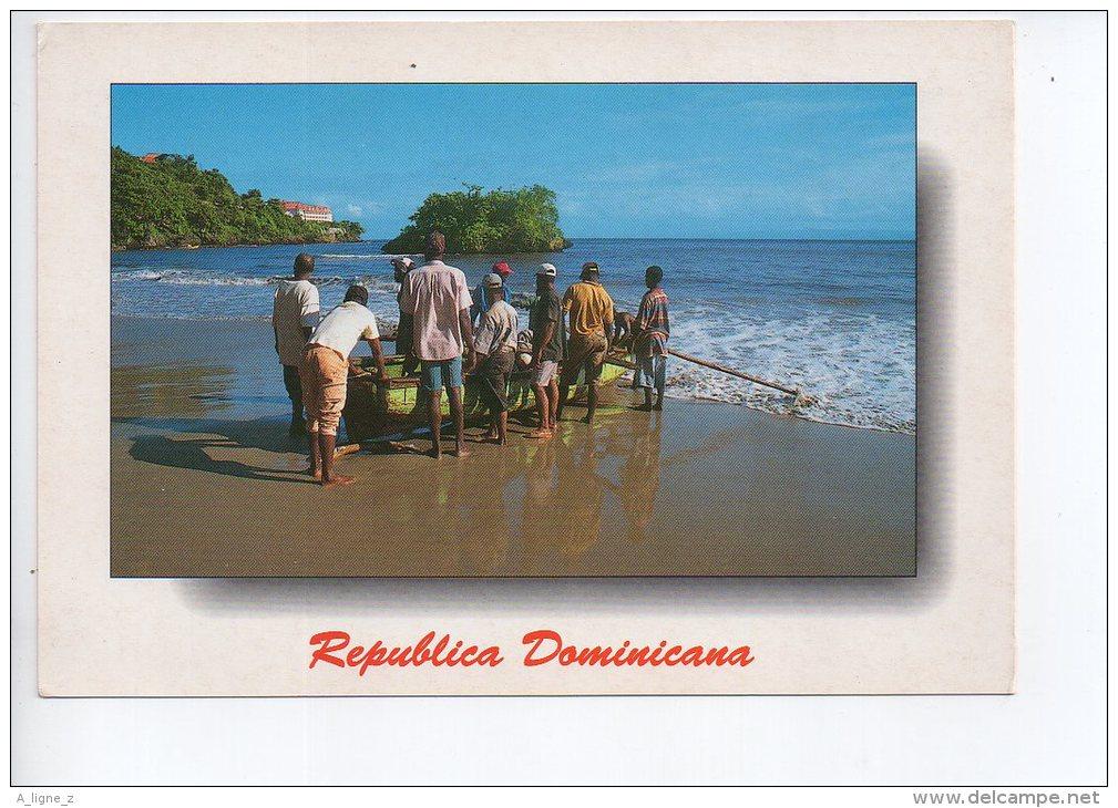 REF EY1 : CPM Carte Postale Grand Format République Dominicaine Republica Dominicana Pecheur Retour De Peche - Dominicaine (République)