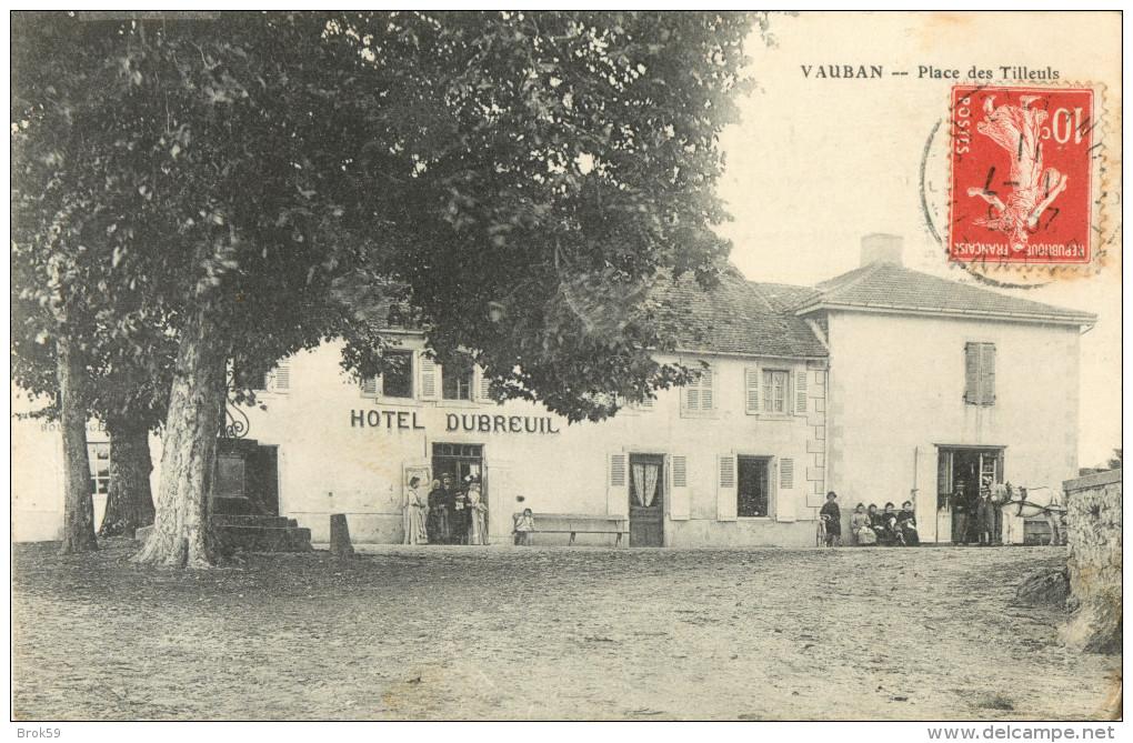 71 VAUBAN - PLACE DES TILLEULS - HOTEL DUBREUIL ( ANIMEE ) - Sin Clasificación