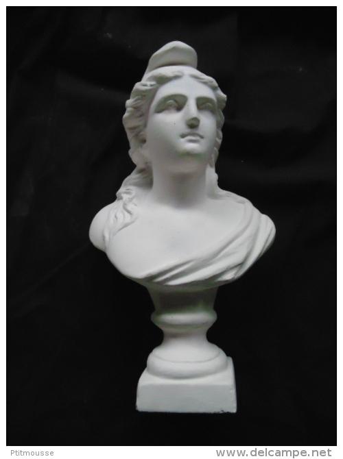 BUSTE DE MARIANNE EN PLATRE MODELE 3ème REPUBLIQUE / REPUBLIQUE FRANCAISE - Sculptures