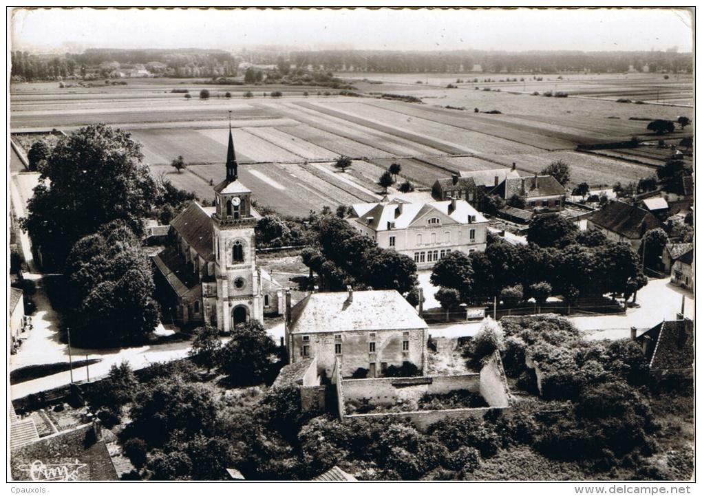 ESBARRES L'Eglise Et La Place De La Mairie - Altri Comuni