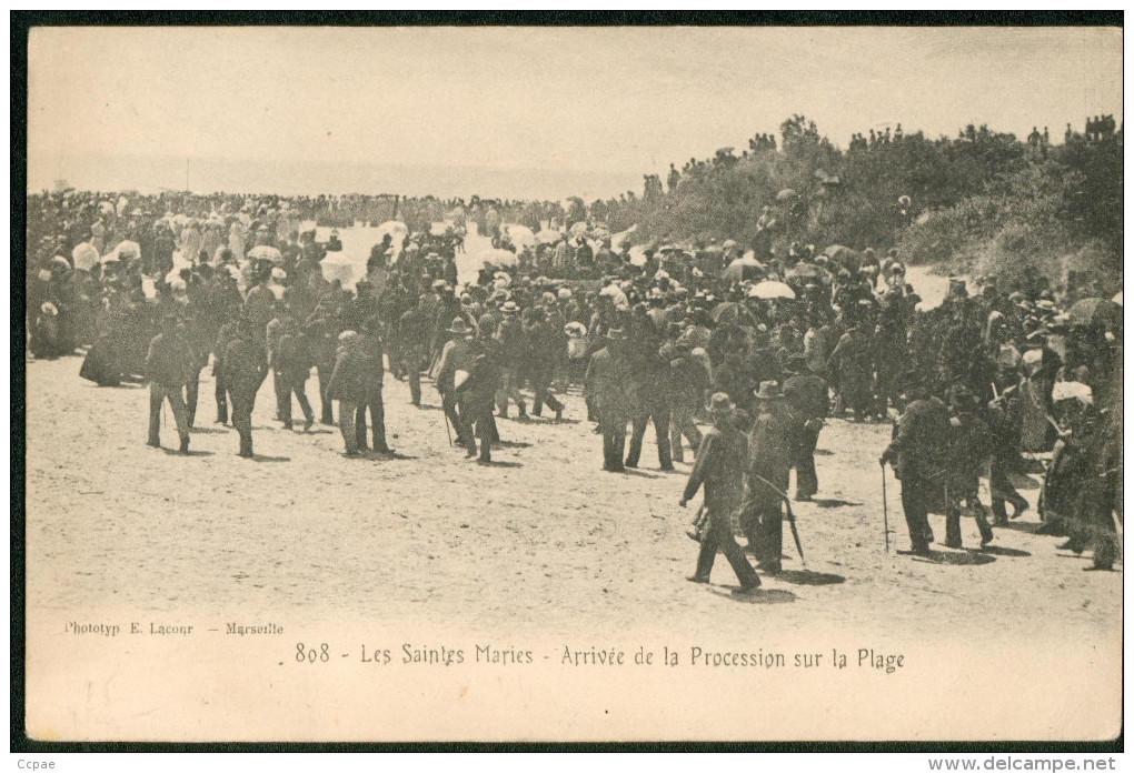 Arrivée De La Procession Sur La Plage - Saintes Maries De La Mer