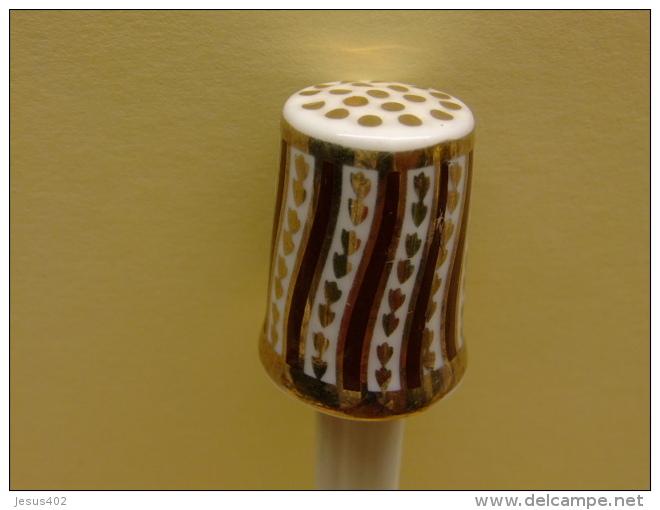 DEDAL DE COLECCION EN PORCELANA PINTADO A MANO Dé à Coudre En Porcelaine - Dedales