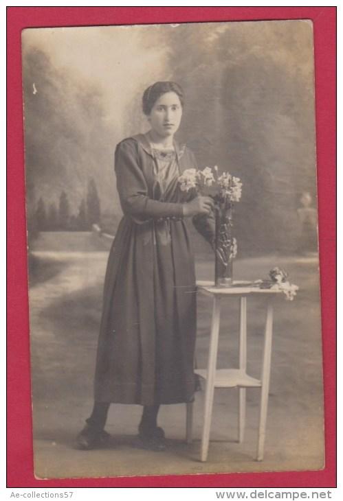 CARTE POSTALE  //  Photo Femme Début 1900 - Silhouettes