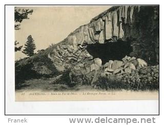 CP63692 - Route Du Puy De Dome  - La Montagne  Percée - CPA Authentique - Frankreich