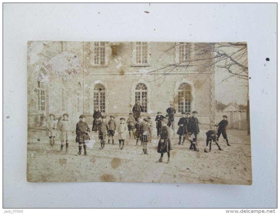 LE CROISIC  Cour D'école ; Photographie MONTCOIFFET Au Croisic , Cp Photo - Le Croisic