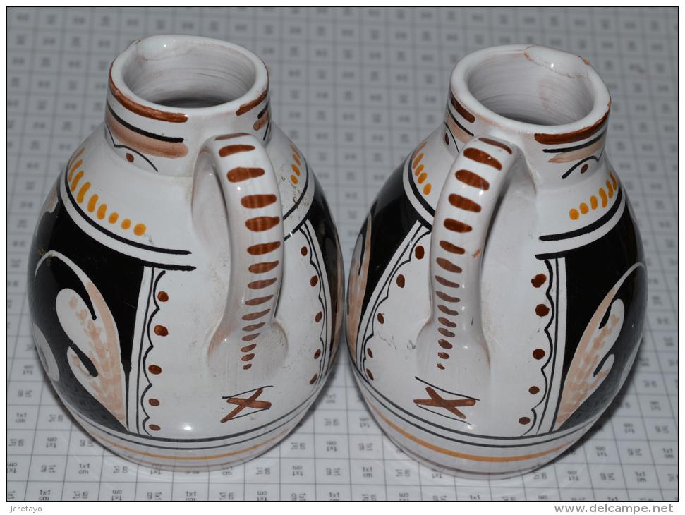 2 Petits Pichets à Huile Et Vinaigre - Céramiques