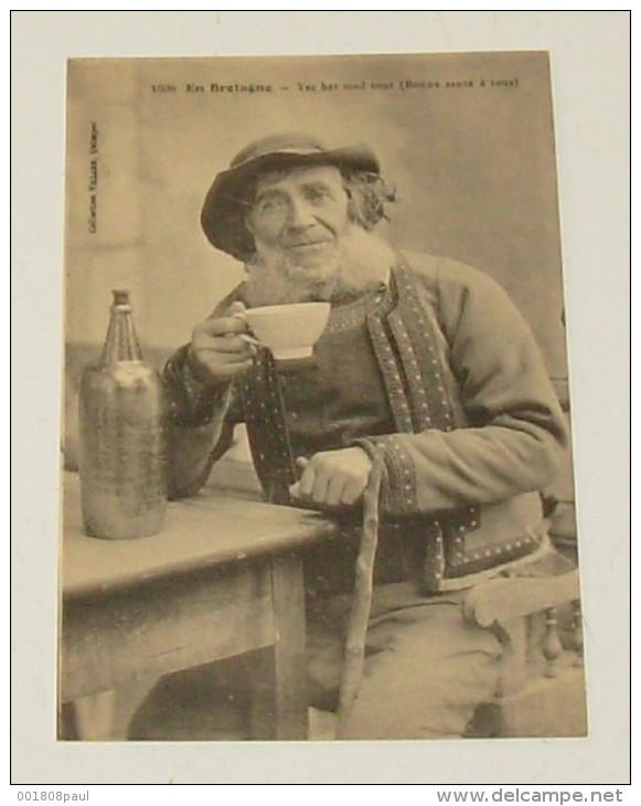 En Bretagne - Bonne Santé à Tous ::::  Traditions - Folklores - Coiffes - Hommes - Costumes - Bouteilles - Alcools - Bretagne