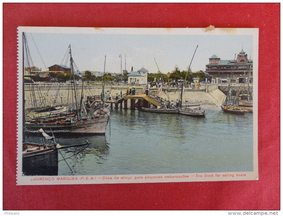 Africa > Mozambique  Lourenco Marques {P.E.A.} --- Dock For Sailing Boats  Circa 1915  Not Mailed  Ref 1314 - Mozambique