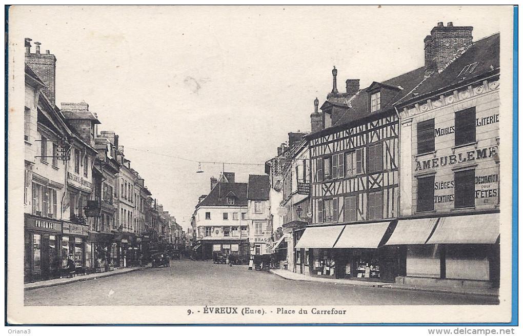 -- 27 -- EVREUX -- PLACE DU CARREFOUR -- 1934 - Evreux