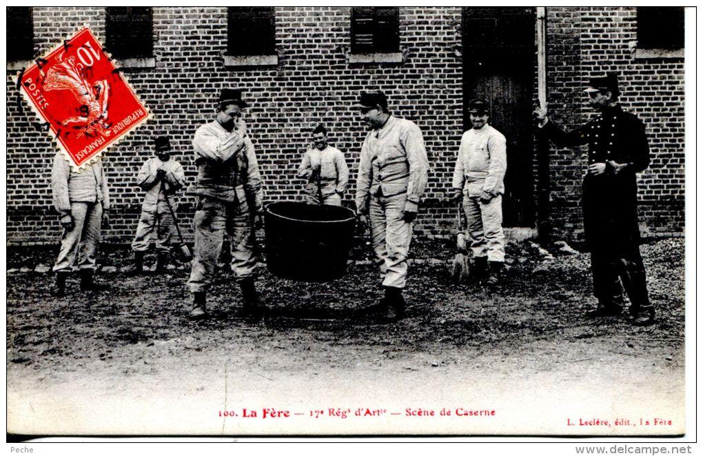 N°38062 -cpa La Fère -17è Régiment D'artillerie-scène De Caserne- - Barracks