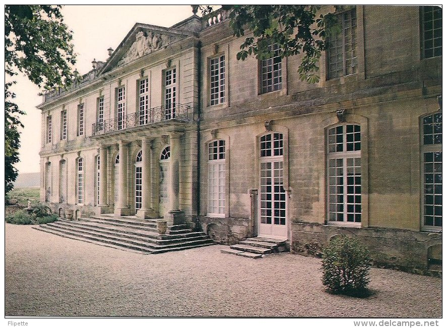 L53.20 - Mane - Le Chateau De SAUVAN - Façade Principale - Collection Privée - France