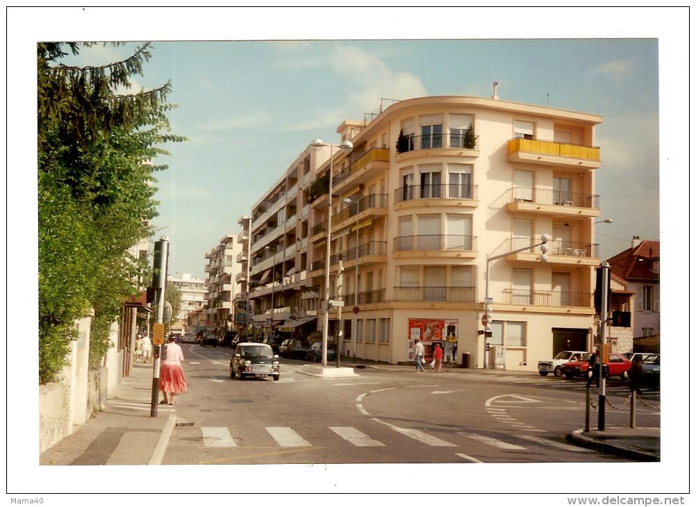06 - SAINT LAURENT DU VAR - Les Bougainvilliers - Avenue Général Leclerc - En 1995 - Lugares