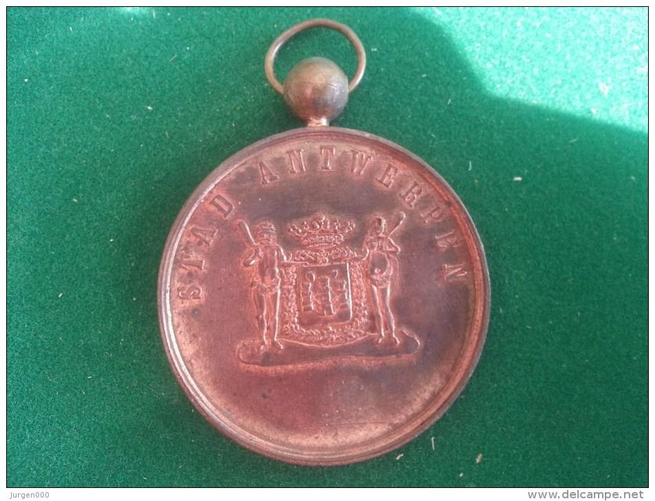 Feest Commissie Liberale Strijder En Bekwaamheids Kiezersbond 8ste Wijk Antwerpen, 1887, 35 Gram (medailles0083) - Belgique