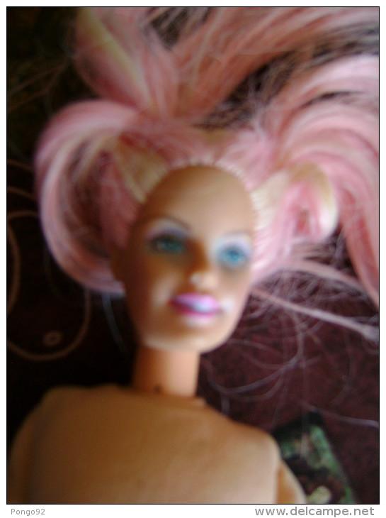 Petite BARBIE Pyjama, Toute Nue, La Pauvrette - Barbie