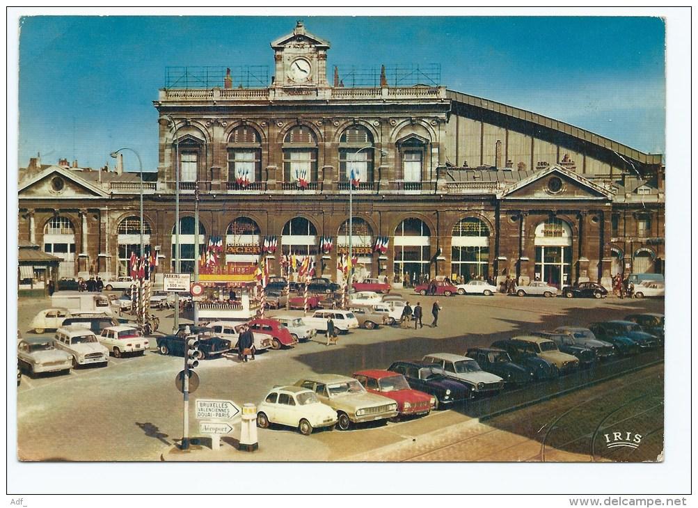 YON@ CPSM LILLE, NOMBREUSES AUTOS VOITURES ANCIENNES DEVANT LA GARE, NORD 59 - Lille