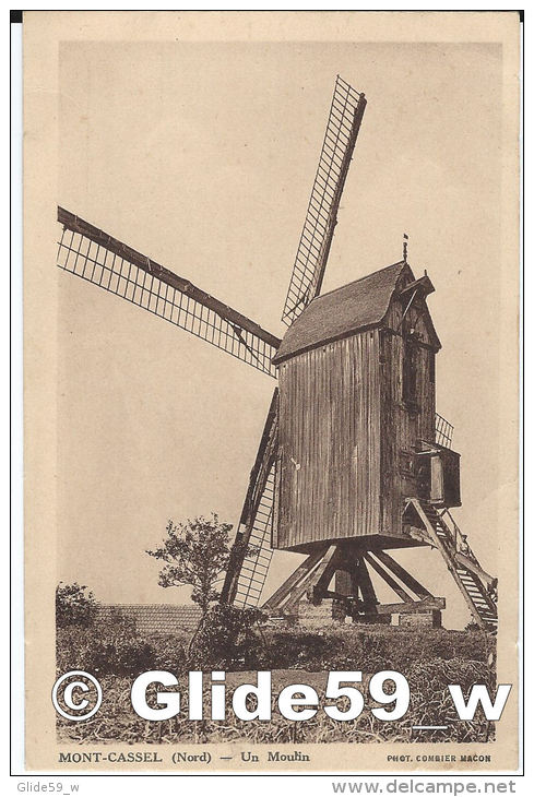 MONT-CASSEL - Un Moulin (Phot. Combier Mâcon) - Cassel