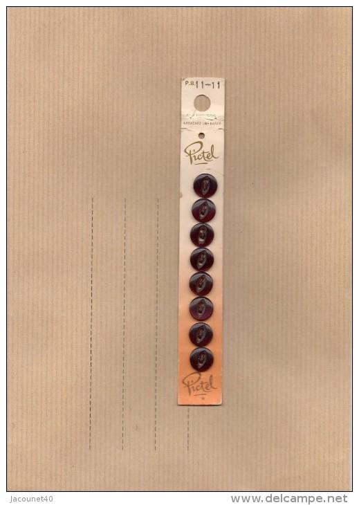 BOUTONS ....PICTEL 8 BOUTONS COULEUR REFLET  MAUVE  ? - Boutons