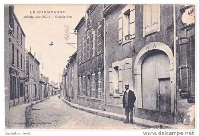 51. MESNIL-SUR-OGER. Grande-Rue - France
